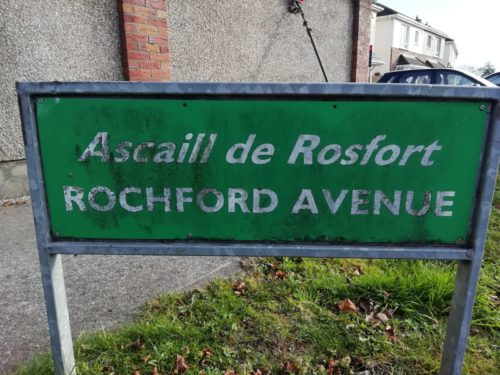 A sign for Rochford Avenue covered in grime and dirt, soon to be cleaned - Room With a View Window Cleaning Meath