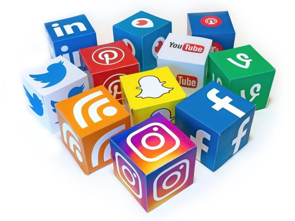 Social media icons oncubes for professional website design